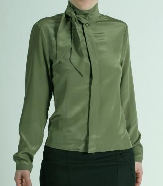 Шелковая блузка – элегантность на все времена