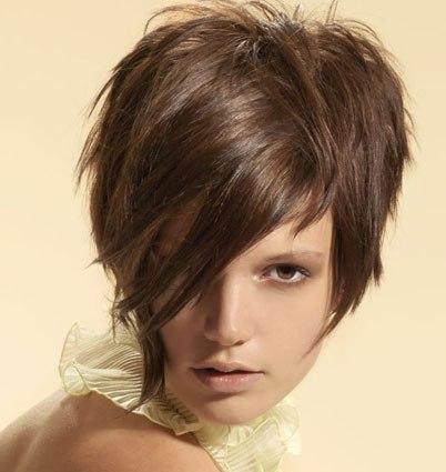 Очарование и шарм коротеньких женских причёсок