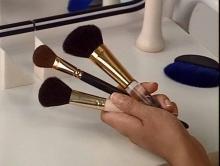 Кисти и аппликаторы для нанесения макияжа